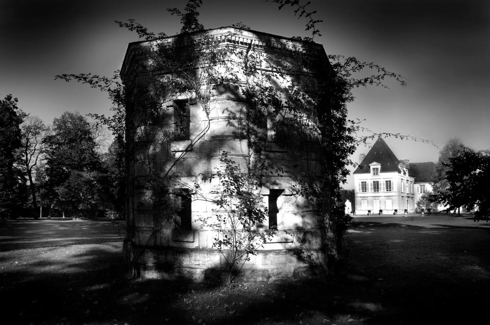 Exterior view of Château Haut-Brion, Bordeaux